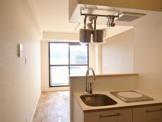 小さめだけれど、カウンターキッチンのある素敵なお部屋